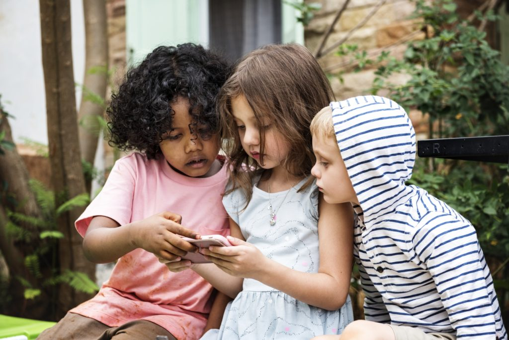 Ages 3–5 - Keep Connected